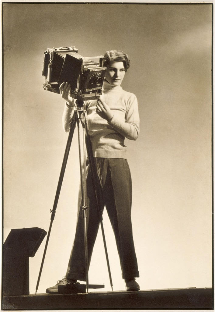 Margaret Bourke-White (1904-1971), Self-portrait with camera,© Digital Image Museum Associates