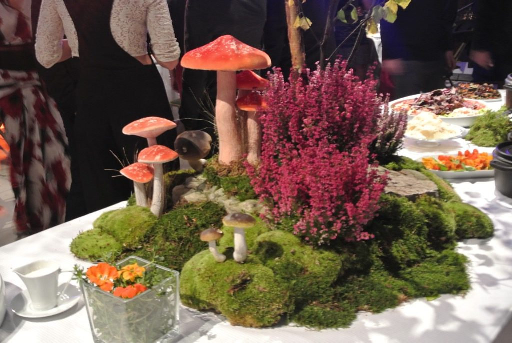 Table centers were designed by Marianne Robic