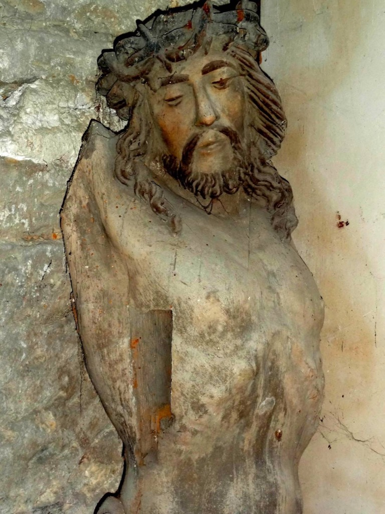 The 17th century oak wood Christ from Noyon will be restored in February