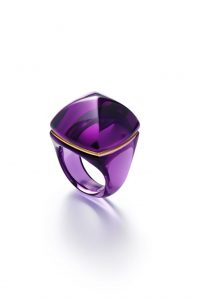 The crystal Pop ring comes in many colors, ©Laurent-Parrault