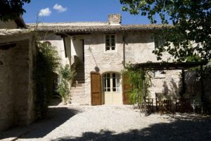 Borgo della Marmotta has 12 bedrooms and 7 apartments, all decorated with utter refinement