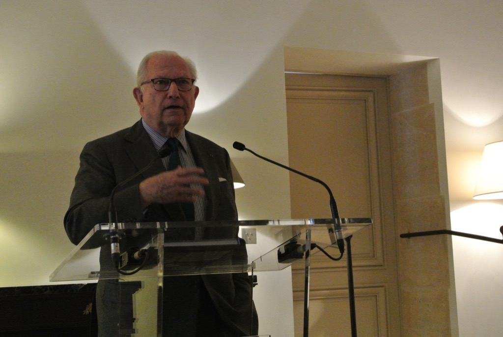 Hugues Gall, President of Giverny was presenting the book over lunch
