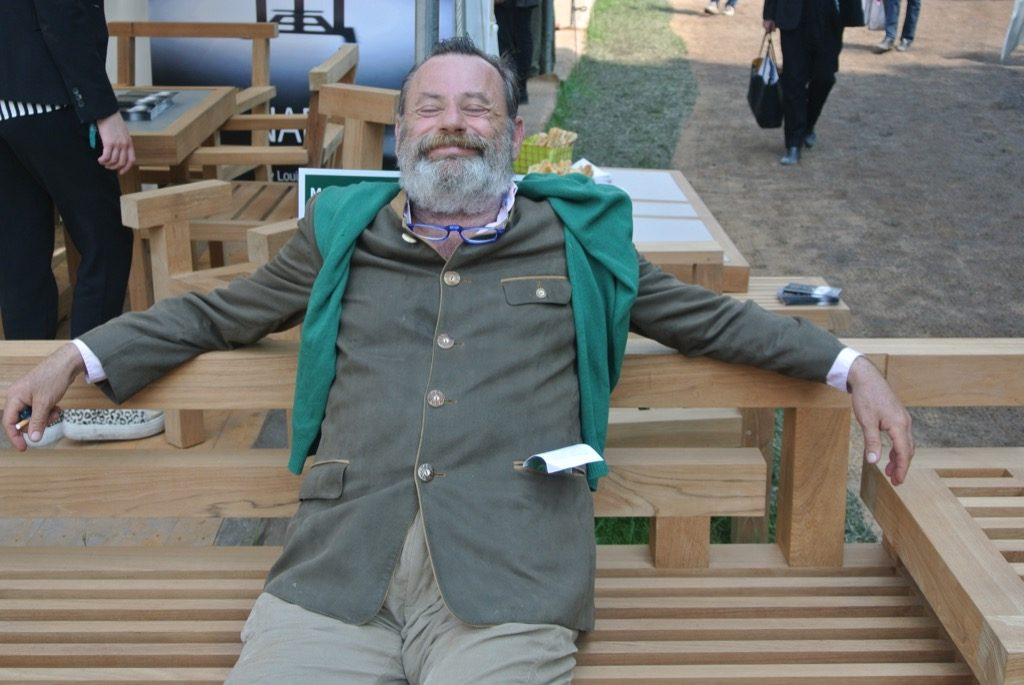 Gardner Louis Benech presented his new bench Nara by Royal Botania