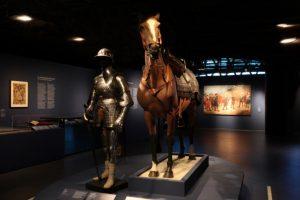 At the entrance of the exhibition, we face a Conquistador