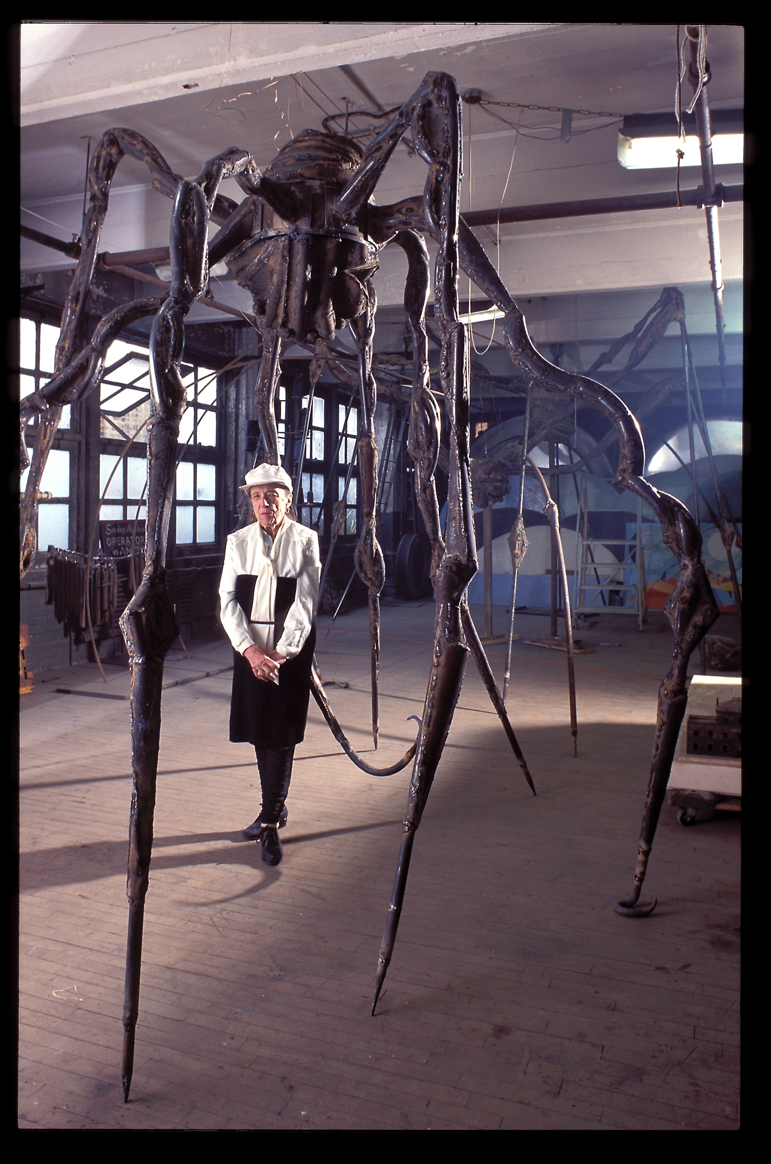 Avec Maman, 1995, ©-Jean-François-Jaussaud With the spider that made her most famous
