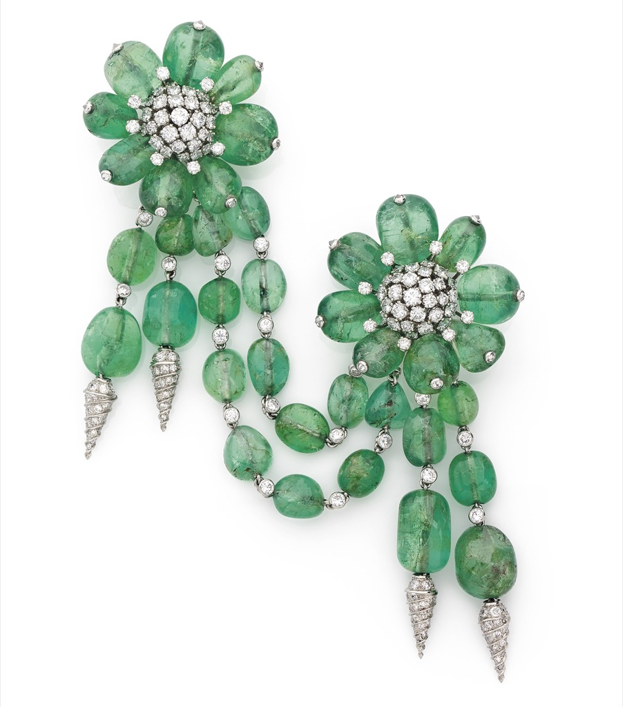 Fulco di Verdura, 1958, emerald broaches estimated 80 to 120 000€