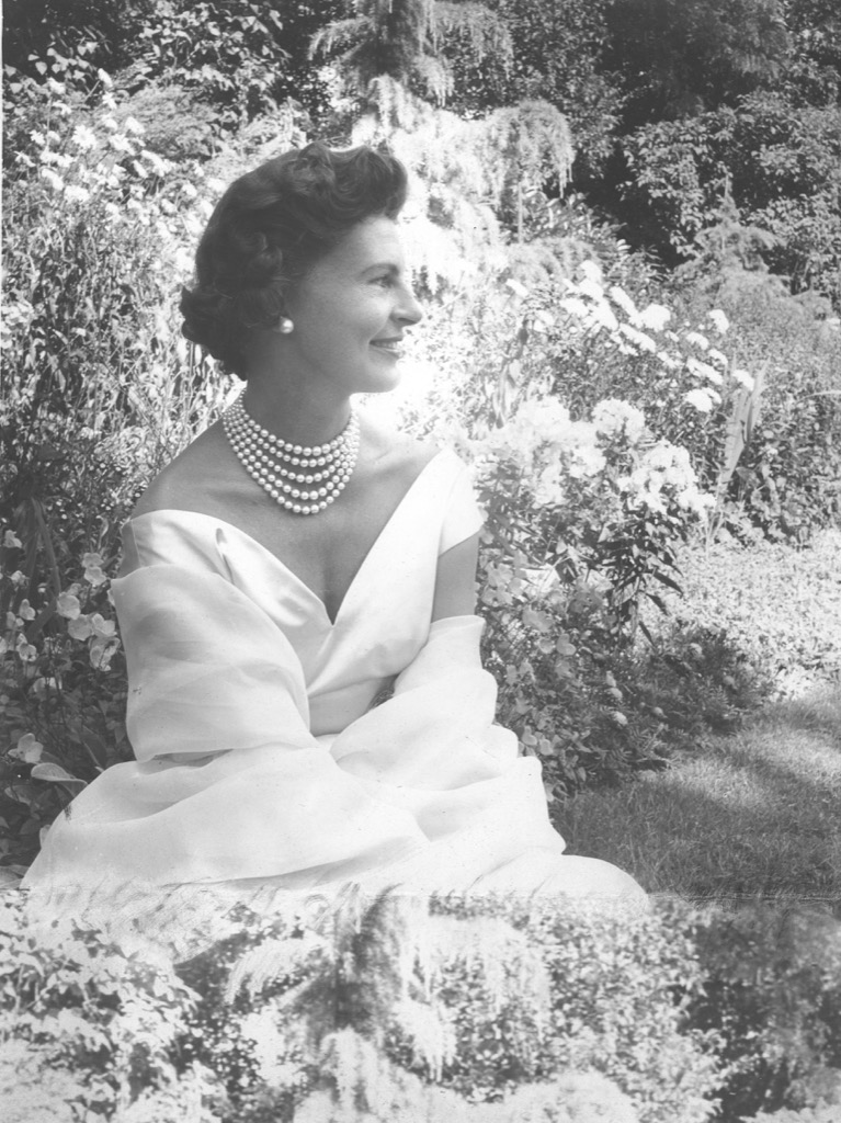 Mary de Rothschild, born Chauvin du Treuil (1916-2013),was one of the most elegant ladies of the 20 th century