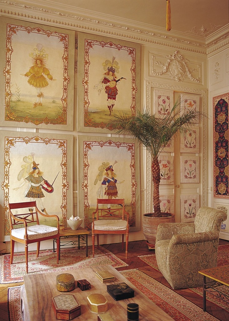 A Lully, Sun King type of decor