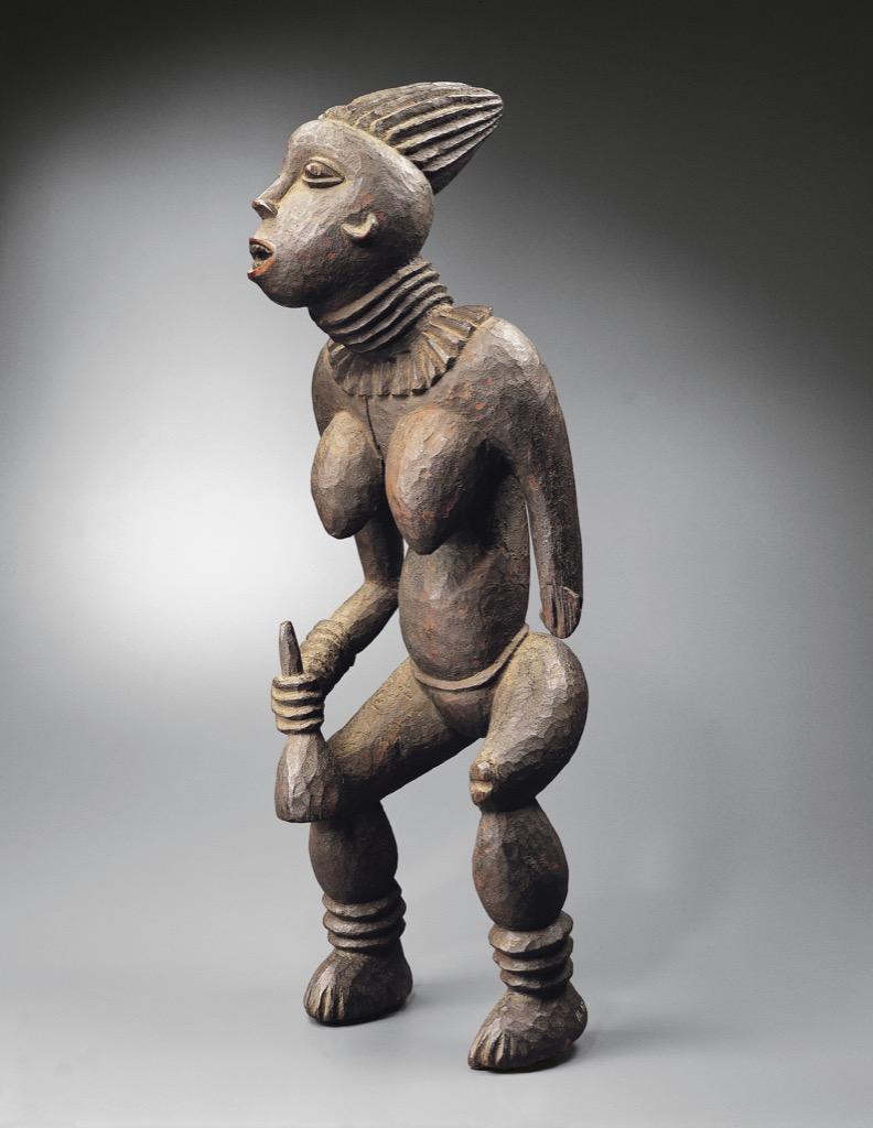 Bangwa, Cameroun, Lefem statue looking like a princess