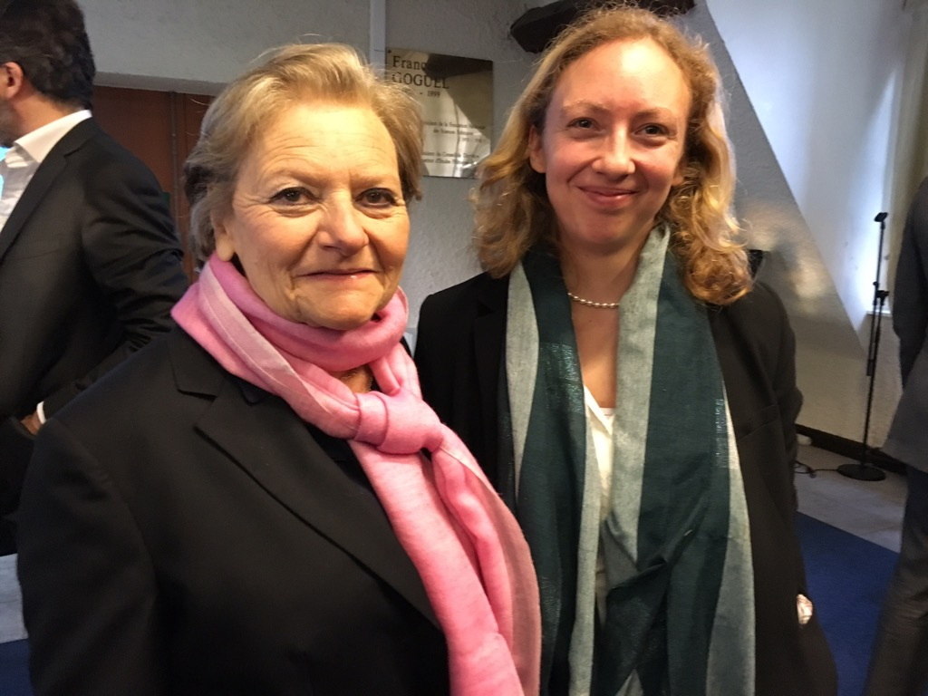 Marie Christine Perreau Saussine, founder of the Prize with the winner, Historian Jenny Raflik