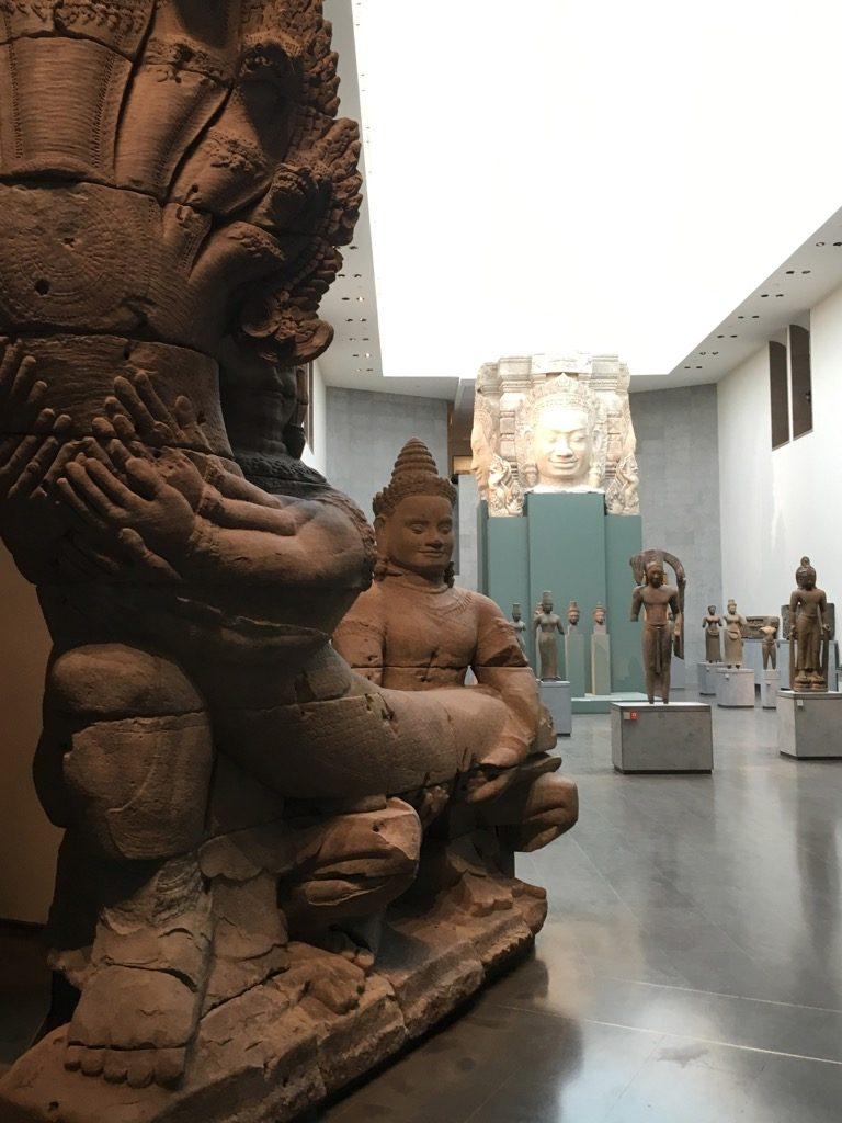 At Musée Guimet you are welcomed by a giant from Angkor Wat