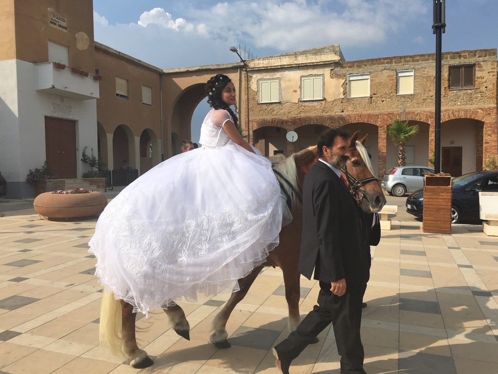 Esther was the first bride to be married on a horse in Borgo Bonsignore