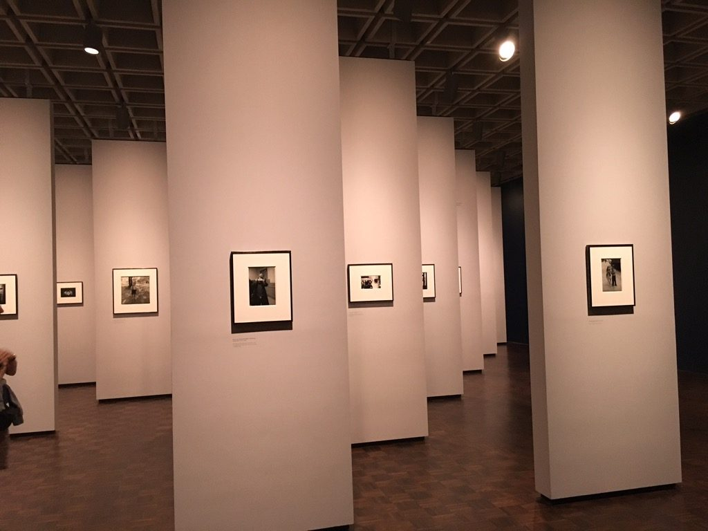 Diane Arbus, photographs, a stunning setting but disappointing art